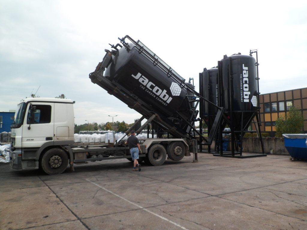 Aktivt kul til rensningsanlæg - Jacobi Silolastbil